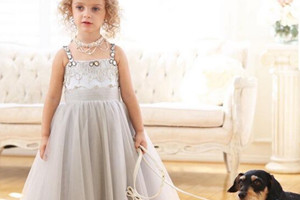 How to choose a flower girl dress