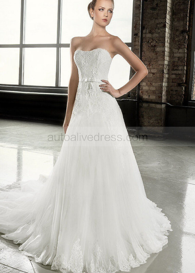 A Line Ivory Lace Tulle Sweetheart Neckline Corset Back Court Train Wedding Dress