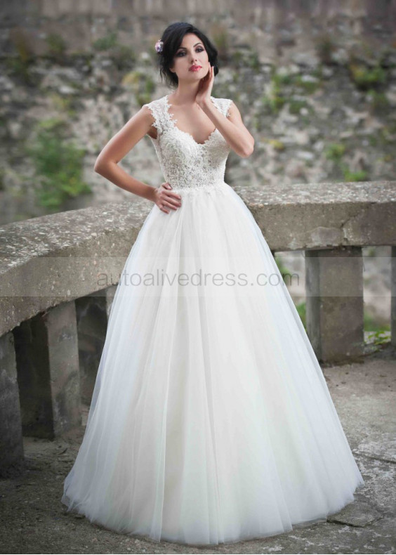 Sweetheart Neckline Ivory Lace Plain Tulle Wedding Dress